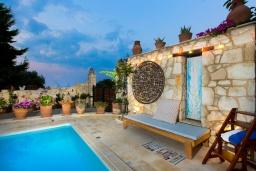 Бассейн. Греция, Ретимно : Уютная вилла в комплексе с общим бассейном и двориком с барбекю, 2 спальни, 2 ванные комнаты, парковка, Wi-Fi