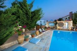 Бассейн. Греция, Ретимно : Уютная вилла в комплексе с общим бассейном и двориком с барбекю, 2 спальни, парковка, Wi-Fi