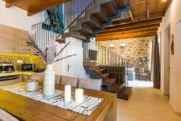 Кухня. Греция, Превели : Каменная вилла с бассейном и двориком с барбекю, 2 спальни, 2 ванные комнаты, парковка, Wi-Fi