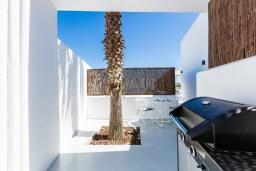 Терраса. Греция, Бали : Современная вилла с бассейном и видом на море, 2 спальни, барбекю, парковка, Wi-Fi