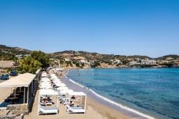 Ближайший пляж. Греция, Бали : Современная пляжная вилла с бассейном и шикарным видом на море, 2 спальни, 2 ванные комнаты, парковка, Wi-Fi