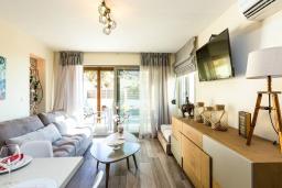 Гостиная. Греция, Превели : Прекрасная вилла с бассейном и барбекю, 2 спальни, 2 ванные комнаты, парковка, Wi-Fi