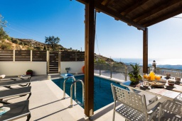 Бассейн. Греция, Превели : Прекрасная вилла с бассейном и барбекю, 2 спальни, 2 ванные комнаты, парковка, Wi-Fi