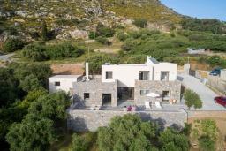 Фасад дома. Греция, Милатос : Шикарная вилла с бассейном и двориком с барбекю, 5 спален, 5 ванных комнат, парковка, Wi-Fi