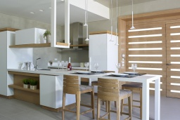 Кухня. Греция, Киссамос Кастели : Роскошная пляжная вилла с бассейном и шикарным видом на море, 2 спальни, 2 ванные комнаты, барбекю, парковка, Wi-Fi