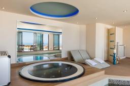 Прочее. Греция, Малеме : Роскошная вилла с двумя бассейнами, джакузи, теннисным кортом и двориком с барбекю, 5 спален, 4 ванные комнаты, сауна, парковка, Wi-Fi