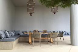 Патио. Греция, Агия Пелагия : Роскошная вилла с бассейном и видом на море, 2 спальни, 2 ванные комнаты, барбекю, парковка, Wi-Fi