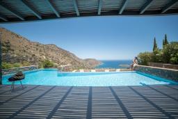 Бассейн. Греция, Элунда : Современная вилла с бассейном и шикарным видом на море, 6 спален, 7 ванных комнат, парковка, Wi-Fi