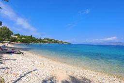 Ближайший пляж. Греция, Кассиопи : Пляжная вилла с террасой и барбекю, 2 спальни, Wi-Fi