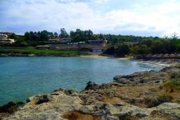 Пляж Лутраки в Ханье