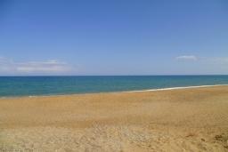 Пляж Эпископи в Аделе