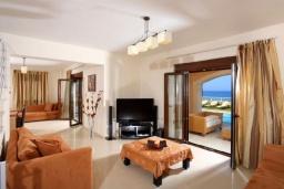 Гостиная. Греция, Ретимно : Роскошная пляжная вилла с бассейном и игровой комнатой, 6 спален, 4 ванные комнаты, парковка, Wi-Fi