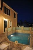Бассейн. Греция, Панормо : Прекрасная вилла с бассейном недалеко от пляжа, 4 спальни, 3 ванные комнаты, парковка, Wi-Fi
