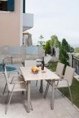 Терраса. Греция, Панормо : Прекрасная вилла с бассейном недалеко от пляжа, 4 спальни, 3 ванные комнаты, парковка, Wi-Fi