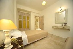 Спальня 2. Греция, Ретимно : Прекрасная вилла с бассейном и зеленым двориком с барбекю, 3 спальни, 2 ванные комнаты, парковка, Wi-Fi
