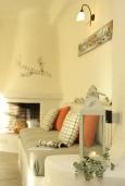 Гостиная. Греция, Ретимно : Прекрасная вилла с бассейном и зеленым двориком с барбекю, 3 спальни, 2 ванные комнаты, парковка, Wi-Fi