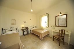 Спальня 3. Греция, Ретимно : Прекрасная вилла с бассейном и зеленым двориком с барбекю, 3 спальни, 2 ванные комнаты, парковка, Wi-Fi