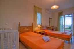 Спальня 2. Греция, Ретимно : Шикарная вилла с бассейном и зеленым двориком с барбекю, 3 спальни, 2 ванные комнаты, парковка, Wi-Fi
