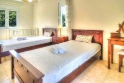 Спальня 3. Греция, Ретимно : Шикарная вилла с бассейном и зеленым двориком с барбекю, 3 спальни, 2 ванные комнаты, парковка, Wi-Fi