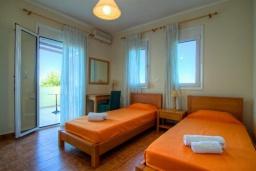 Спальня 2. Греция, Ретимно : Шикарная вилла с бассейном и зеленым двориком с барбекю, 4 спальни, 3 ванные комнаты, парковка, Wi-Fi
