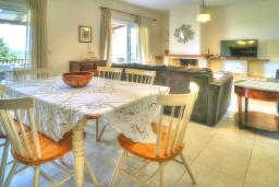 Гостиная. Греция, Ретимно : Шикарная вилла с бассейном и зеленым двориком с барбекю, 4 спальни, 3 ванные комнаты, парковка, Wi-Fi
