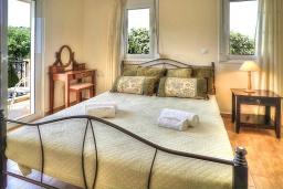 Спальня 3. Греция, Ретимно : Шикарная вилла с бассейном и зеленым двориком с барбекю, 4 спальни, 3 ванные комнаты, парковка, Wi-Fi