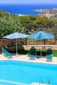 Бассейн. Греция, Ретимно : Шикарная вилла с бассейном и зеленым двориком с барбекю, 4 спальни, 3 ванные комнаты, парковка, Wi-Fi