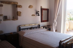 Спальня 2. Греция, Превели : Каменный дом с бассейном и двориком с барбекю, 2 спальни, камин, парковка, Wi-Fi