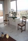 Гостиная. Греция, Превели : Роскошная вилла с бассейном и зеленым двориком с барбекю, 3 спальни, 2 ванные комнаты, тренажерный зал, парковка, Wi-Fi