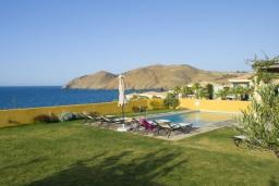 Бассейн. Греция, Панормо : Роскошная вилла с бассейном в 100 метрах от пляжа, 3 спальни, 3 ванные комнаты, барбекю, парковка, Wi-Fi