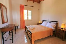 Спальня 2. Греция, Ретимно : Шикарная вилла с большим бассейном и зеленым двориком с барбекю, 3 спальни, 2 ванные комнаты, парковка, Wi-Fi