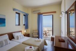 Спальня 2. Греция, Ретимно : Роскошная вилла с бассейном и видом на море, 3 спальни, 2 ванные комнаты, джакузи, барбекю, парковка, Wi-Fi