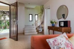 Гостиная. Греция, Ретимно : Роскошная вилла с бассейном и видом на море, 3 спальни, 2 ванные комнаты, джакузи, барбекю, парковка, Wi-Fi