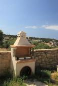 Терраса. Греция, Ретимно : Современная вилла с бассейном и зеленым двориком с барбекю, 4 спальни, 2 ванные комнаты, парковка, Wi-Fi