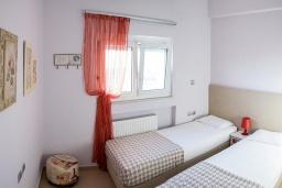 Спальня 2. Греция, Ретимно : Современная вилла с бассейном недалеко от пляжа, 4 спальни, 3 ванные комнаты, барбекю, парковка, Wi-Fi