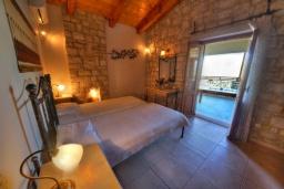 Спальня 2. Греция, Скалета : Прекрасная вилла с бассейном и двориком с барбекю, 3 спальни, 2 ванные комнаты, парковка, Wi-Fi