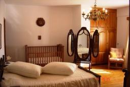 Спальня 3. Греция, Плакиас : Прекрасная вилла с бассейном и зеленым двориком с барбекю, 3 спальни, 2 ванные комнаты, парковка, Wi-Fi