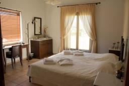 Спальня 3. Греция, Ираклион : Роскошная вилла с большим бассейном и зеленой территорией, 6 спален, 6 ванных комнат, барбекю, парковка, Wi-Fi