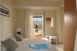Спальня 3. Греция, Сиси : Прекрасная вилла с бассейном и зеленым двориком, 3 спальни, 2 ванные комнаты, барбекю, парковка, Wi-Fi
