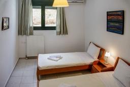 Спальня 3. Греция, Агия Пелагия : Роскошная вилла с бассейном и видом на море, 3 спальни, 2 ванные комнаты, барбекю, парковка, Wi-Fi