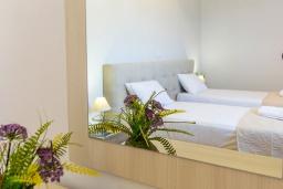 Спальня 3. Греция, Плакиас : Современная пляжная вилла с бассейном и видом на море, 3 спальни, 2 ванные комнаты, парковка, Wi-Fi