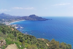 Вид на море. Греция, Плакиас : Современная вилла с бассейном и шикарным видом на море, 2 спальни, 2 ванные комнаты, парковка, Wi-Fi