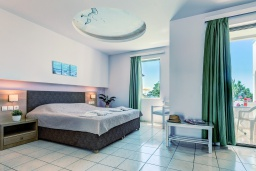 Студия (гостиная+кухня). Греция, Скалета : Прекрасная студия в 20 метрах от пляжа, с балконом и видом на море