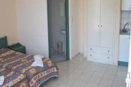 Студия (гостиная+кухня). Греция, Георгиуполис : Студия с балконом и видом на море, в комплексе с бассейном