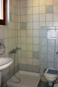 Ванная комната. Греция, Фаласарна : Студия недалеко от пляжа, с балконом и видом на море