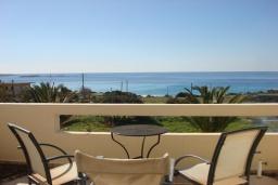 Балкон. Греция, Фаласарна : Студия недалеко от пляжа, с балконом и видом на море