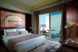 Спальня. Греция, Агия Марина : Улучшенный двухместный номер в комплексе с бассейном и в 100 метрах от пляжа