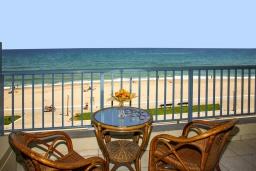 Балкон. Греция, Ретимно : Прекрасная студия с балконом и шикарным видом на море, 20 метров до пляжа