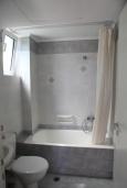 Ванная комната. Греция, Скалета : Апартамент в комплексе с бассейном, с гостиной, двумя спальнями и балконом с видом на море