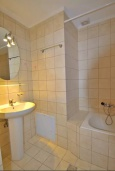 Ванная комната. Греция, Ретимно : Студия с балконом в 100 метрах от пляжа